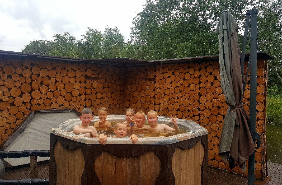 Children in a hot tub