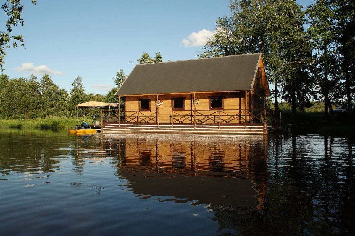 Small Flood House in the summer